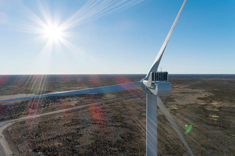 3, 1% del consumo total. Energía eólica: es la fuente renovable que picó en punta en la Argentina y la que mayor porcentaje representa dentro el 4,8% de la demanda eléctrica nacional que es provista por fuentes verdes. De los 206 proyectos adjudicados desde 2016, 64 son eólicos (3788,2 MW).