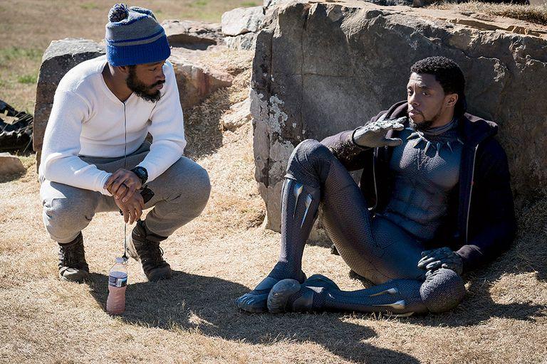 """Coogler y Boseman en el set el año pasado. """"Estábamos haciendo una película sobre lo que significa ser africano"""", dice Coogler"""