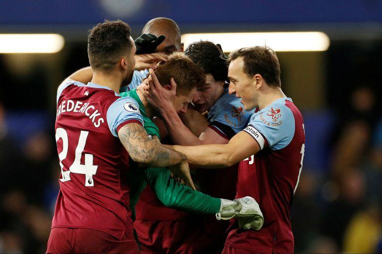 Premier League: debutó a los 33 años, brilló en el arco y terminó llorando