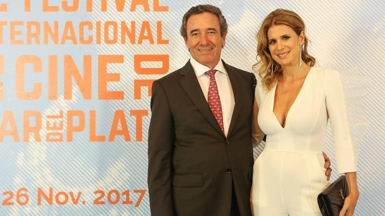 Flavia Palmiero acompañada por su pareja, el productor cinematográfico Luis Scalella