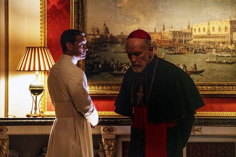 """Sorrentino ya imagina una tercera temporada """"fuera del Vaticano"""", revela Cámara"""