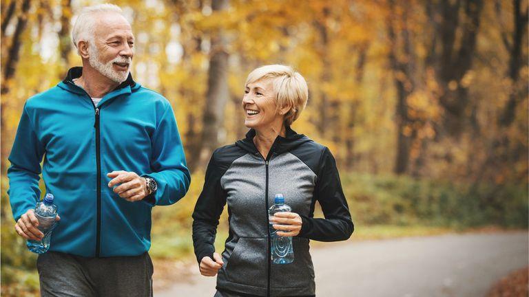 Estos son los factores que pueden retrasar el envejecimiento, según estudios científicos