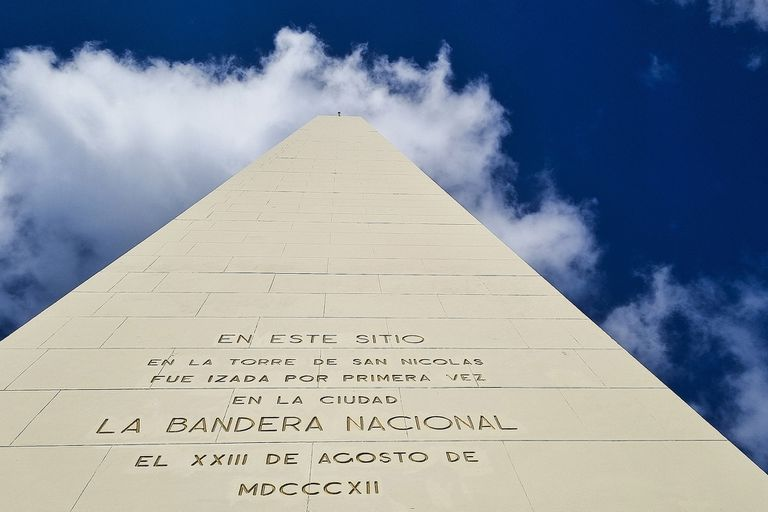 El Obelisco fue construido en solo nueve semanas