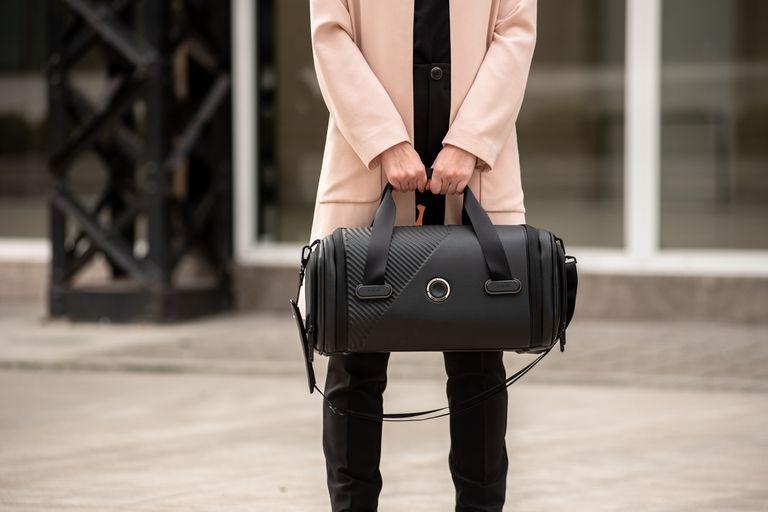 Los nuevos equipajes personales de Plevo también notifican a su dueño si se aleja demasiado de un bolso D-One o una mochila D-One