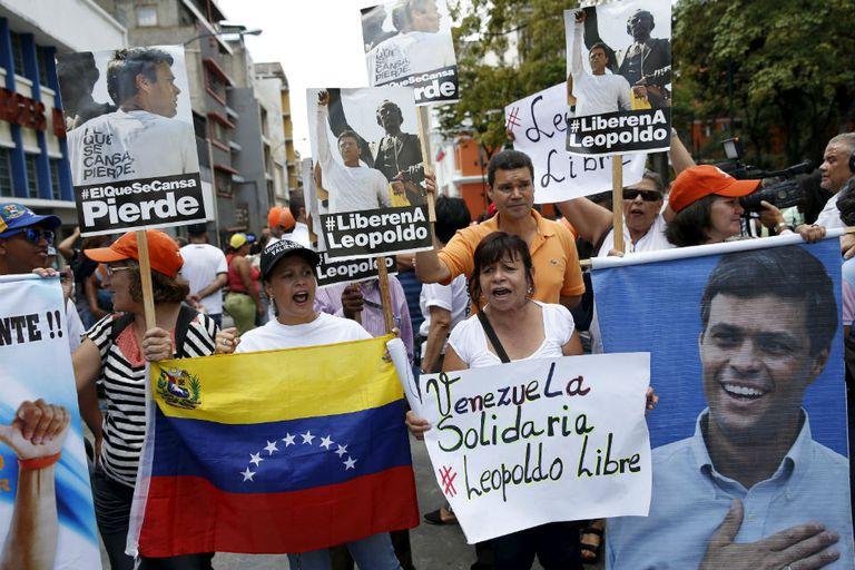 Seguidores de López piden su inmediata libertad