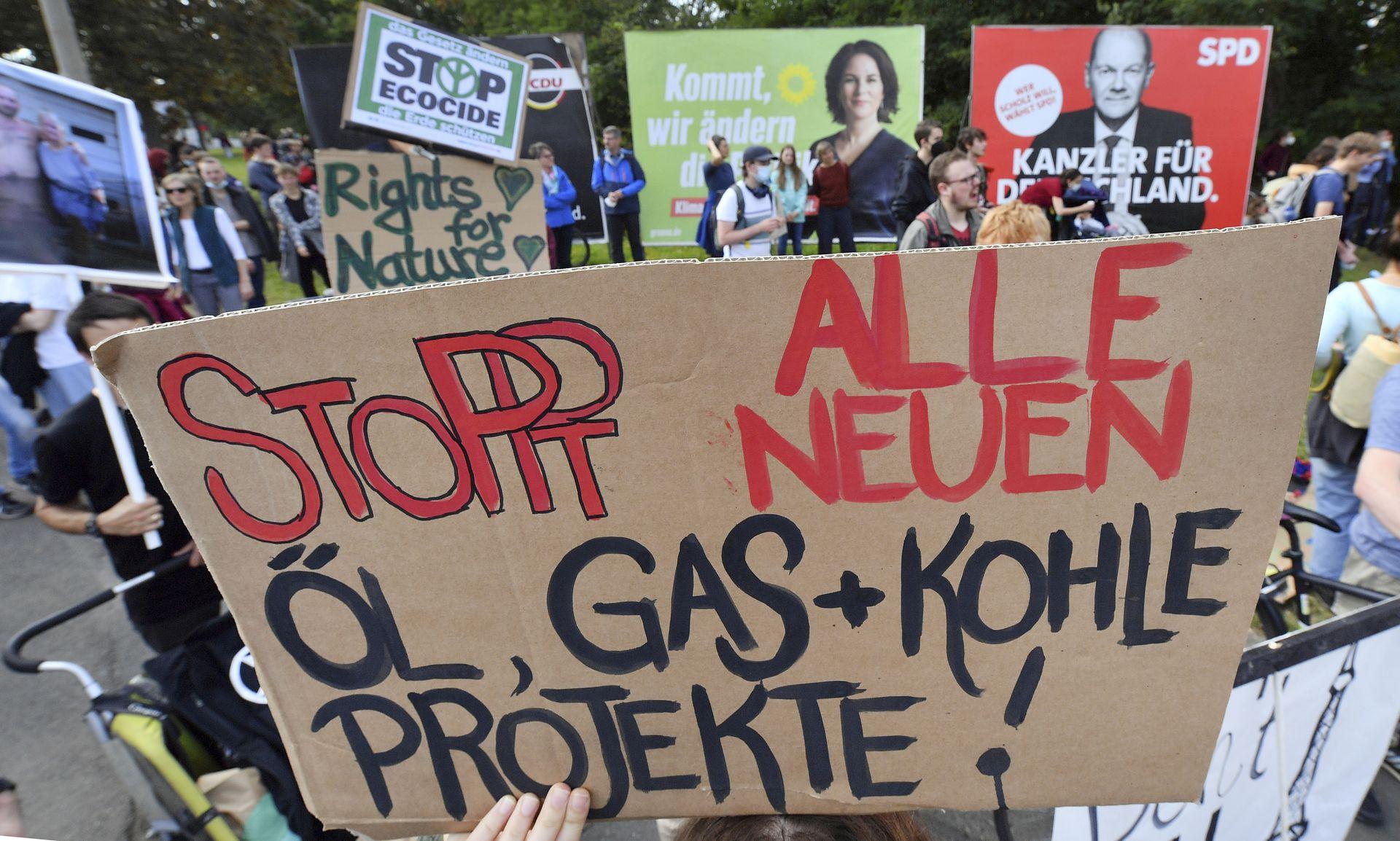 Protesta contra el calentamiento global y el cambio climático en Erfurt, Alemania, el viernes 24 de septiembre de 2021