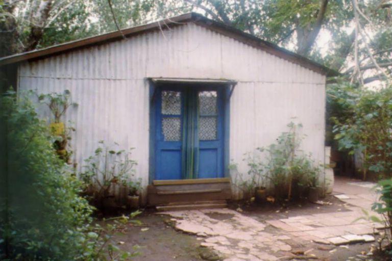 María, su hija y su nieto comenzaron a experimentar tenebrosos hechos paranormales en su casa de General Madariaga; el caso trascendió a la prensa en 1993
