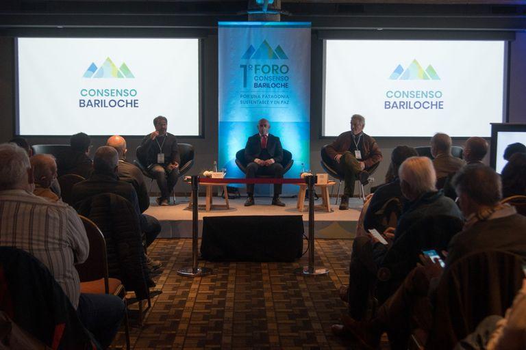 El foro Consenso Bariloche se realizó en el Hotel Inacayal