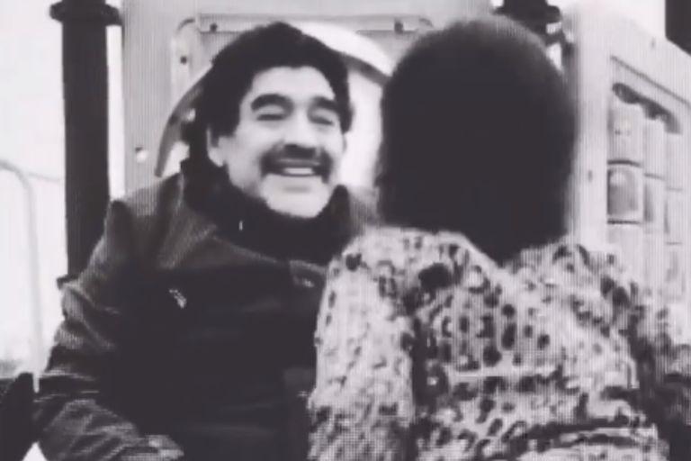 Gianinna compartió un inédito video de Maradona jugando con Benjamín