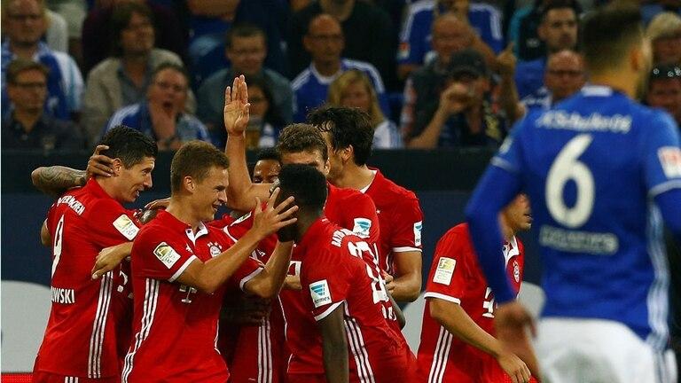 Bayern se impuso por 2-0 ante Schalke 04