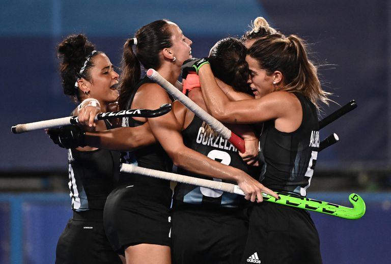 Tras el histórico bronce de los Pumas 7s, Las Leonas le ganaron 3-2 a China