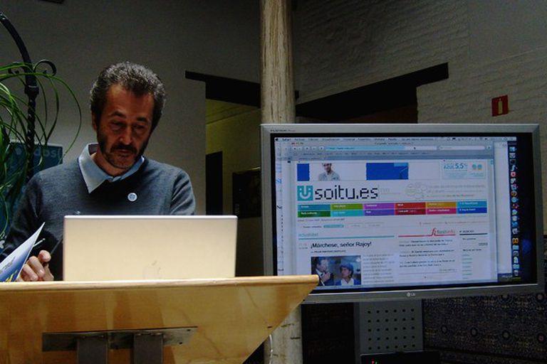 Gumersindo Lafuente en una presentación pública sobre soitu.es