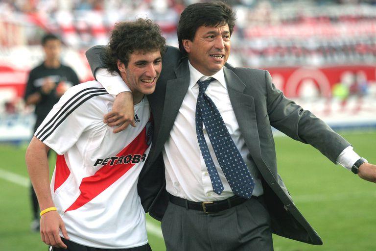 Impacto. Passarella habló del polémico video de River, de Messi y de Maradona