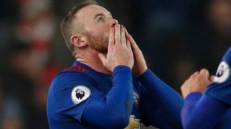 Rooney superó la marca de Charlton