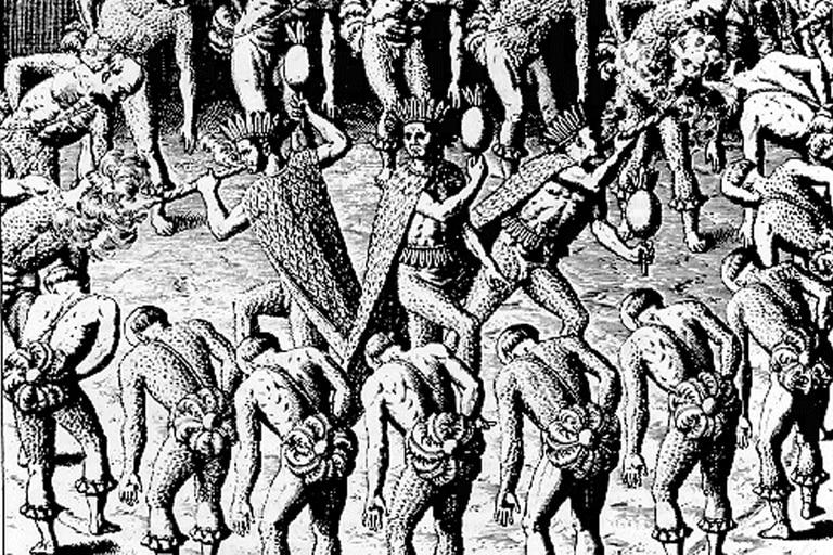 Las distintas tribus que componían la nación tupinambá luchaban constantemente. En las guerras los prisioneros eran capturados para ser sacrificados en rituales antropofágicos.