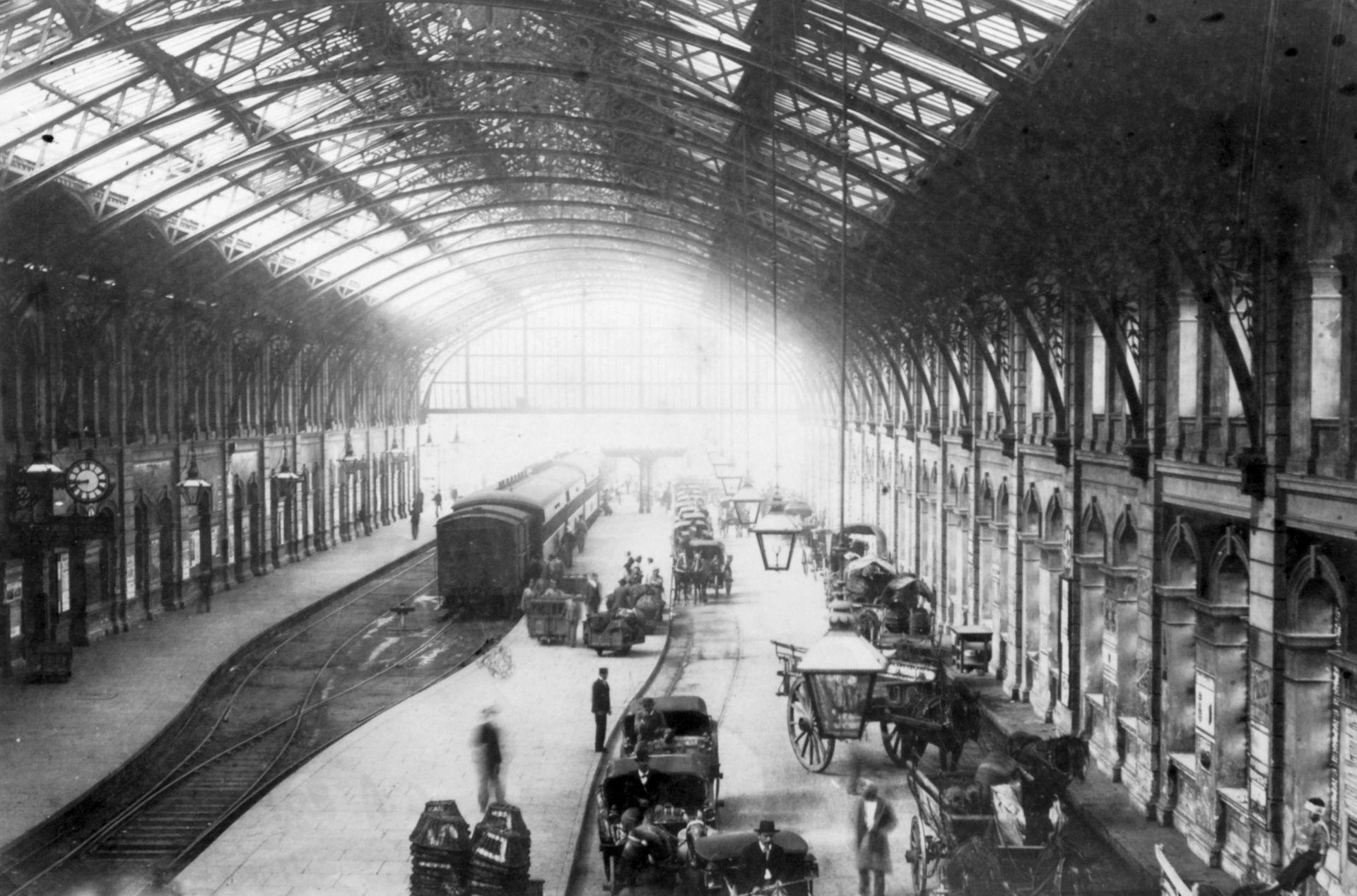 Interior de la Estación Constitución en la última década del siglo XIX.