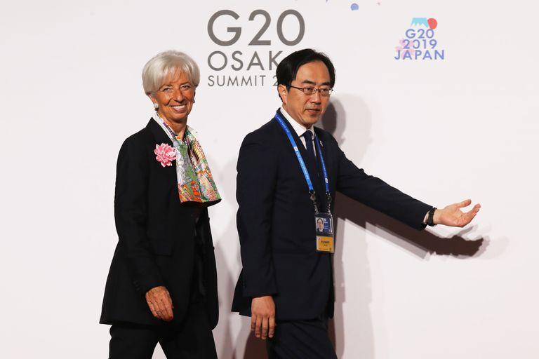 Christine Lagarde al llegar a la foto de familia del G20 en Osaka, Japón