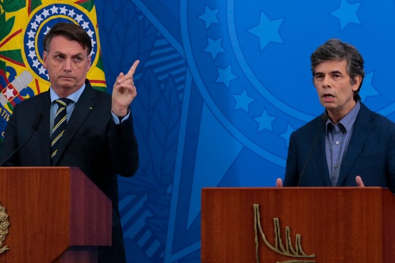 Bolsonaro y Teich, en el día de la presentación del ahora exministro de Salud de Brasil