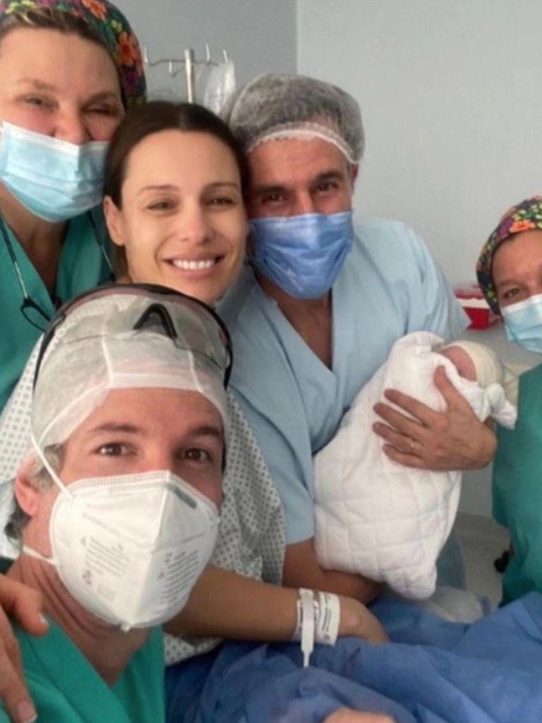 Pampita compartió fotos del parto y agradeció a todo el equipo médico del Sanatorio Otamendi