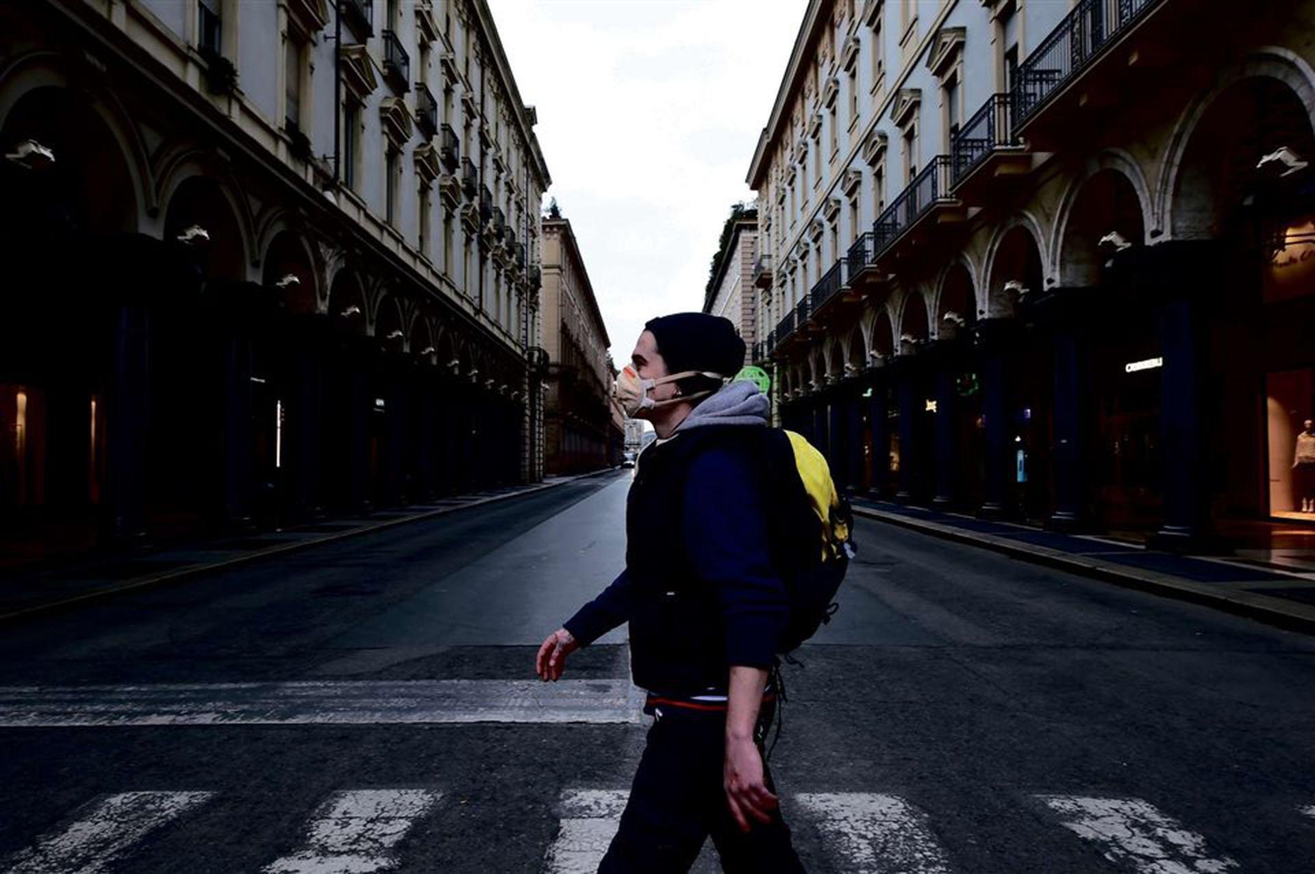 Un caminante en una desolada Turín