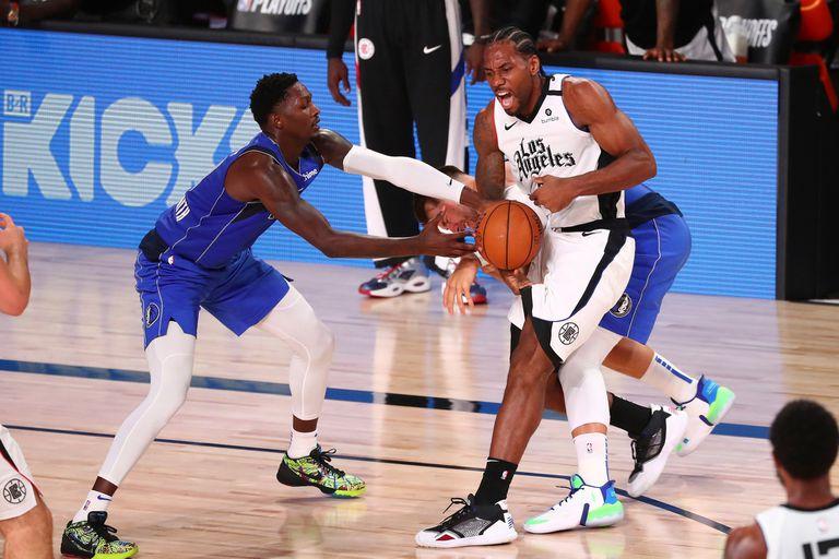 """NBA. Kawhi imparable, los Clippers dominan y crece """"el juego sucio"""" sobre Doncic"""