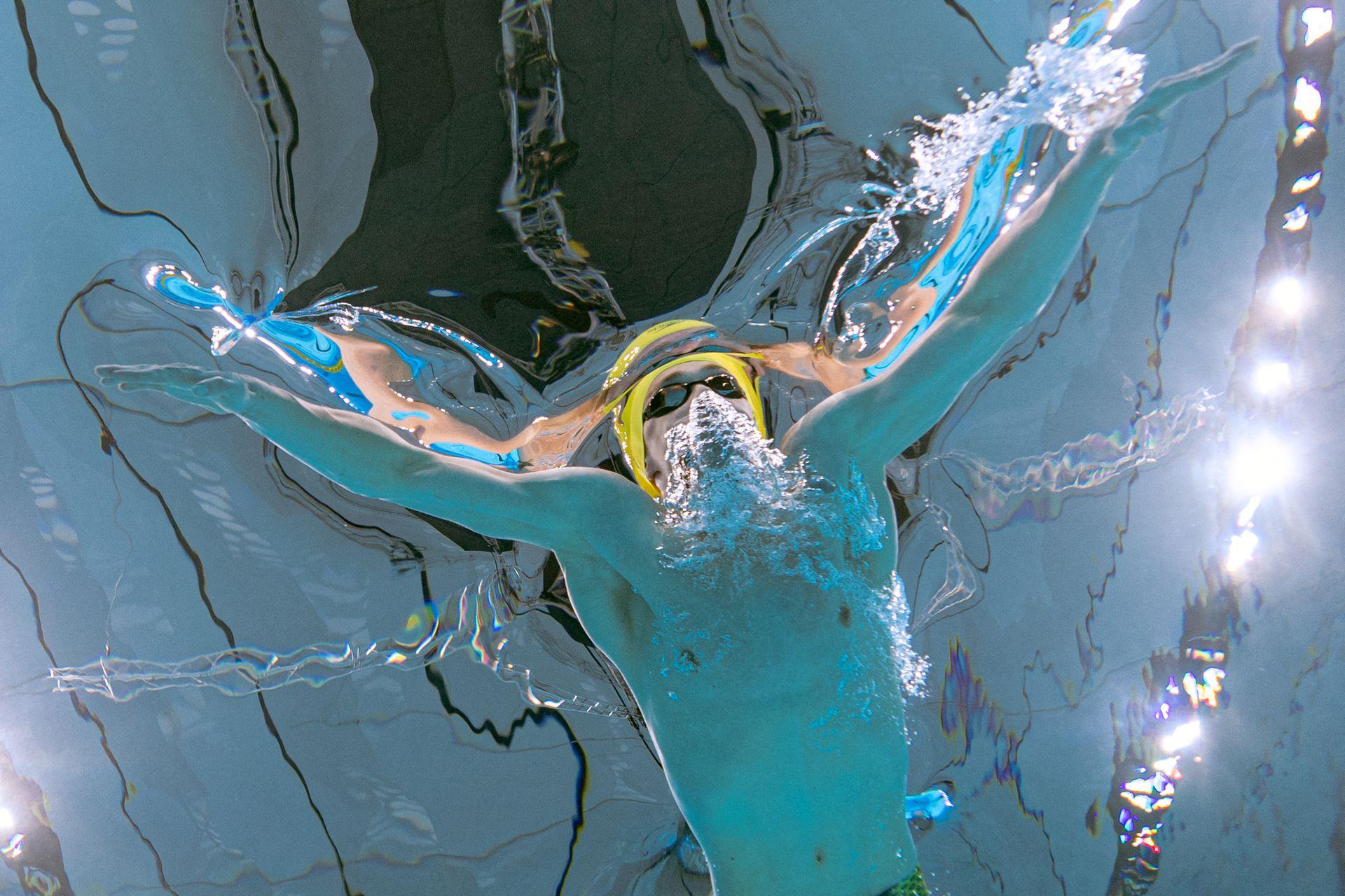 El australiano Izaac Stubblety-Cook compite en la eliminatoria de natación masculina de 200 m
