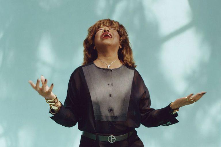 Tina Turner lleva una década retirada de los escenarios; el estreno de un musical, que ella misma se encargó de supervisar, la volvió a poner en contacto con su extensa trayectoria