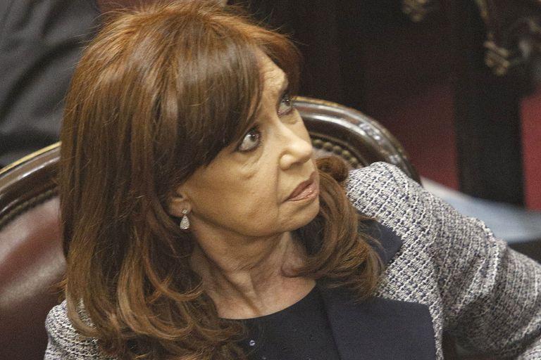 A pedido de la Cámara, Casanello citó a Cristina a indagatoria por lavado