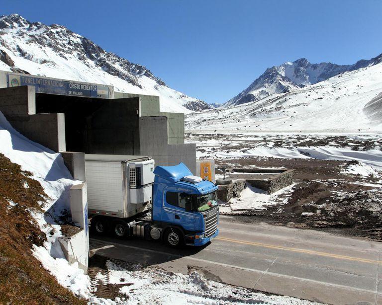Mendoza. Catorce empresas compiten por la obra del paso Cristo Redentor