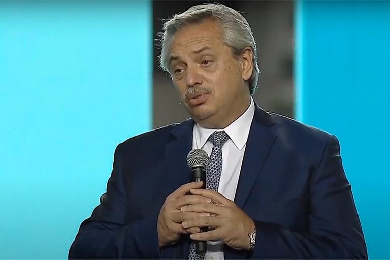 Alberto Fernández advirtió al campo que podría poner más retenciones y cupos para exportar