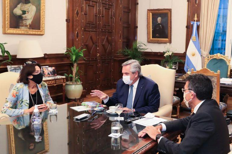 La jueza María del Carmen Battaini, Alberto Fernández y el juez Ariel Ariza