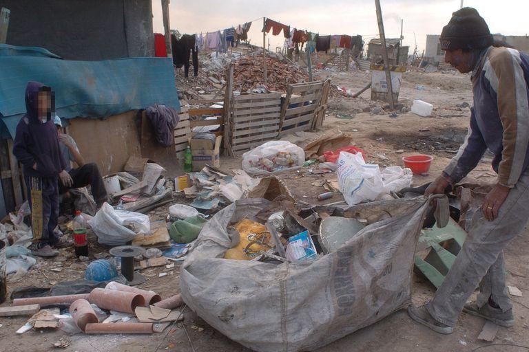 Según la UCA, este año la pobreza rondará el 35%