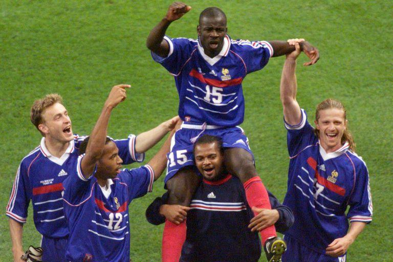 """""""Les Bleus"""" recorre 20 años de historia de la selección francesa de fútbol"""