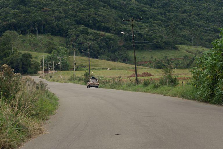 La secuencia inicial de la película muestra parte del viaje en auto de la familia protagonista