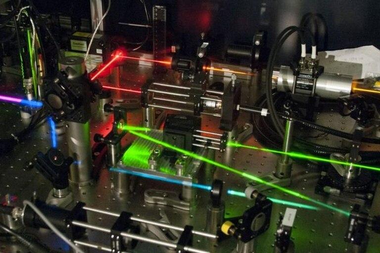 Los físicos estudian la luz valiéndose de poderosos microscopios