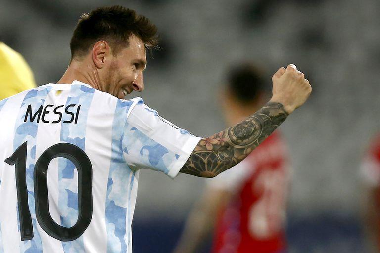 Leo Messi, el único de los 28 futbolistas del seleccionado que jugó todos los minutos en este último tramo de competencia, entre Eliminatorias y Copa América; esta noche podría descansar.