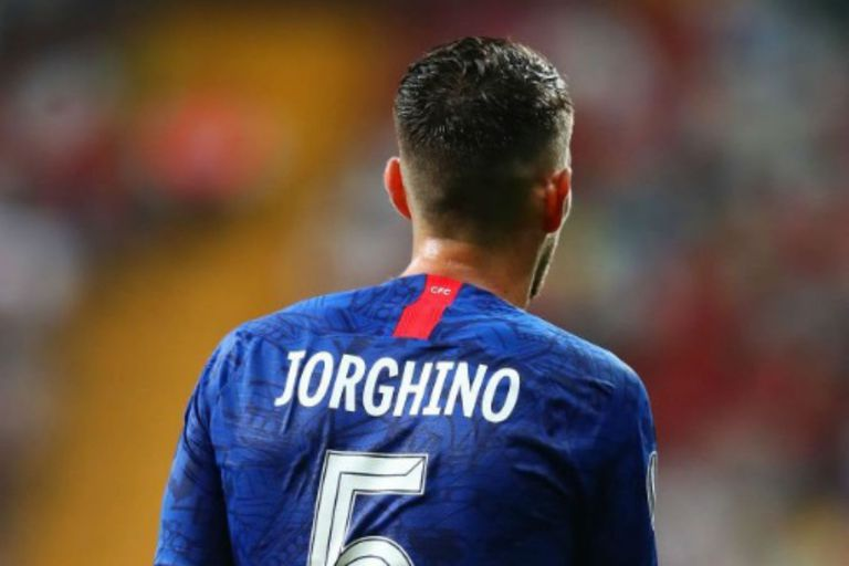 """""""Jorghino"""", el error en la casaca del autor de uno de los goles de Chelsea"""