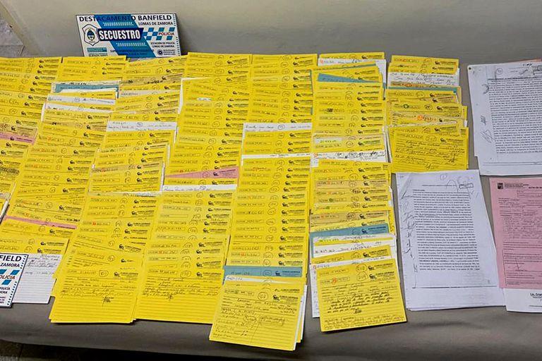 La Justicia secuestró cientos de fichas de historias médicas que llevan la firma del falso médico