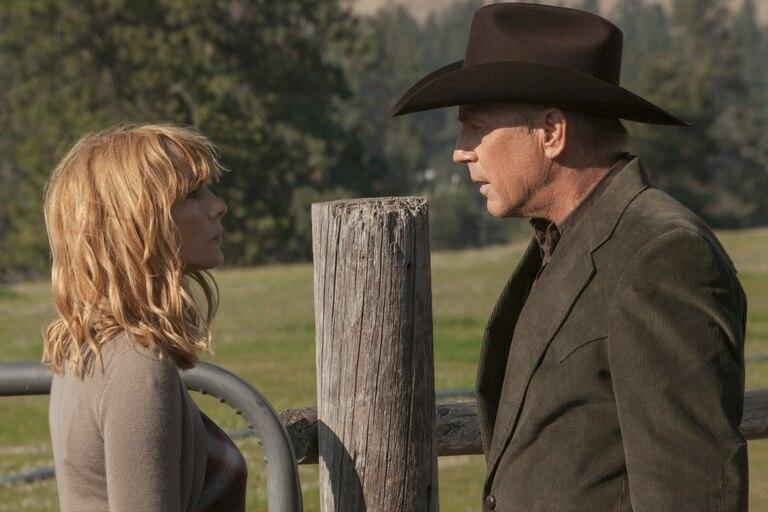Kelly Reilly y Kevin Costner en una escena de Yellowstone