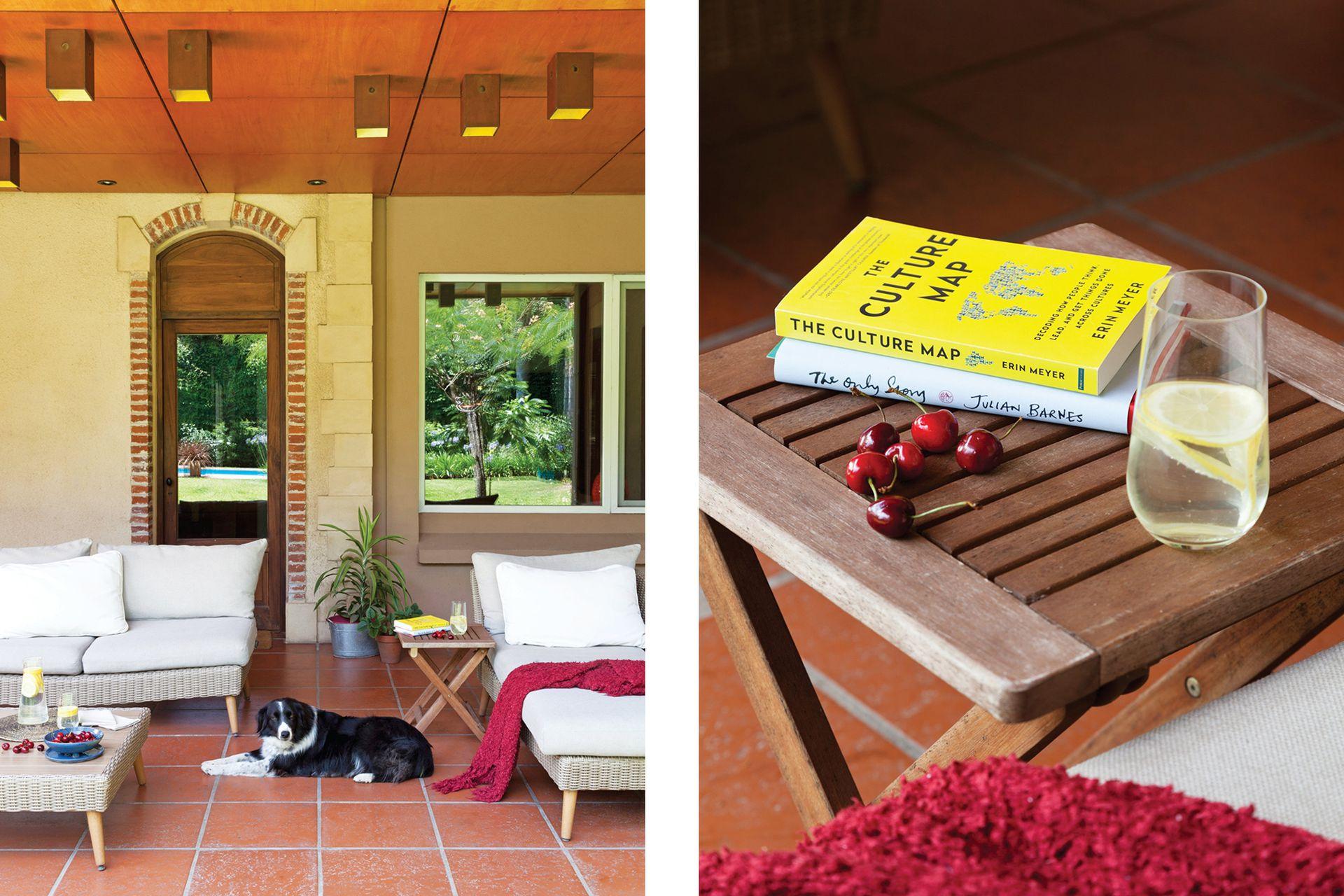 La galería tiene un sector living, con mesa baja, perfecta para meriendas y desayunos al fresco.