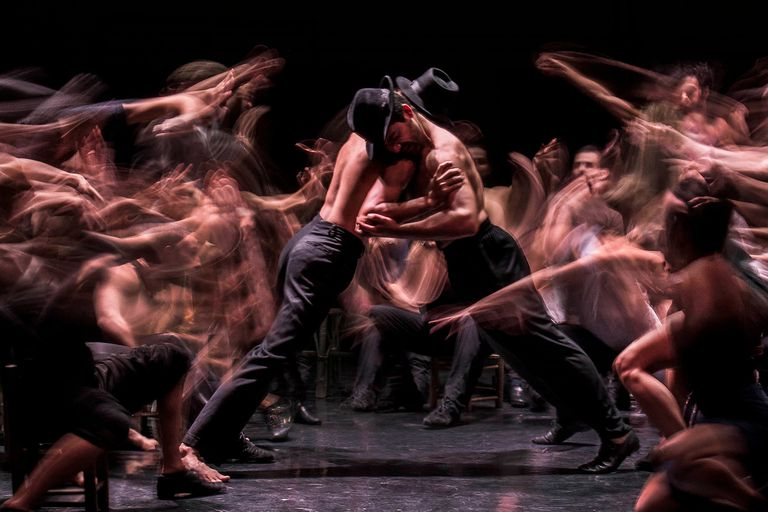 """Escena de """"El reñidero"""", obra del coreógrafo Alejandro Cervera, creada e interpretada para el Ballet Contemporáneo del Teatro San Martín, que se verá en la Gala de Ballet Virtual que el Consejo Argentino de la Danza estrenará esta noche"""