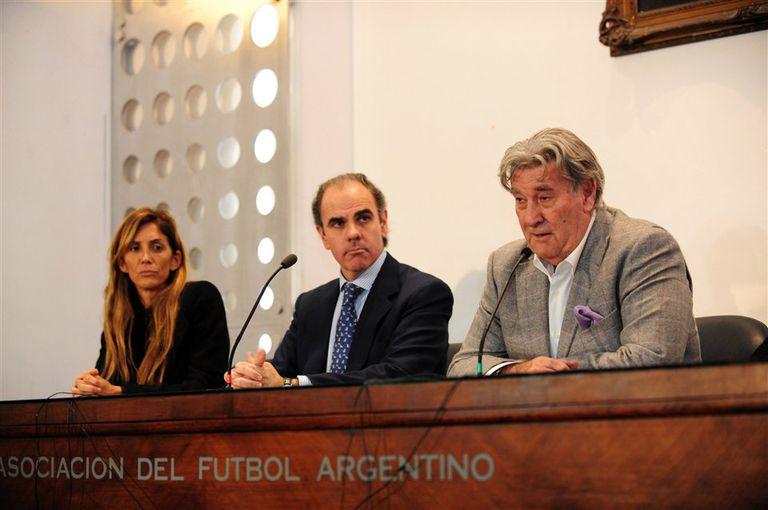 Cristinziano, Medín y Armando Pérez, los representantes argentinos ante la FIFA