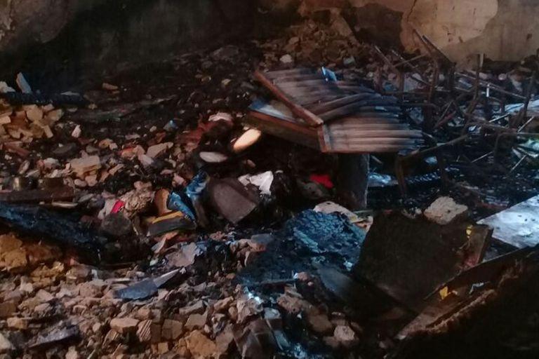 La Plata: un incendio destruyó un jardín de infantes al que concurrían 100 niños