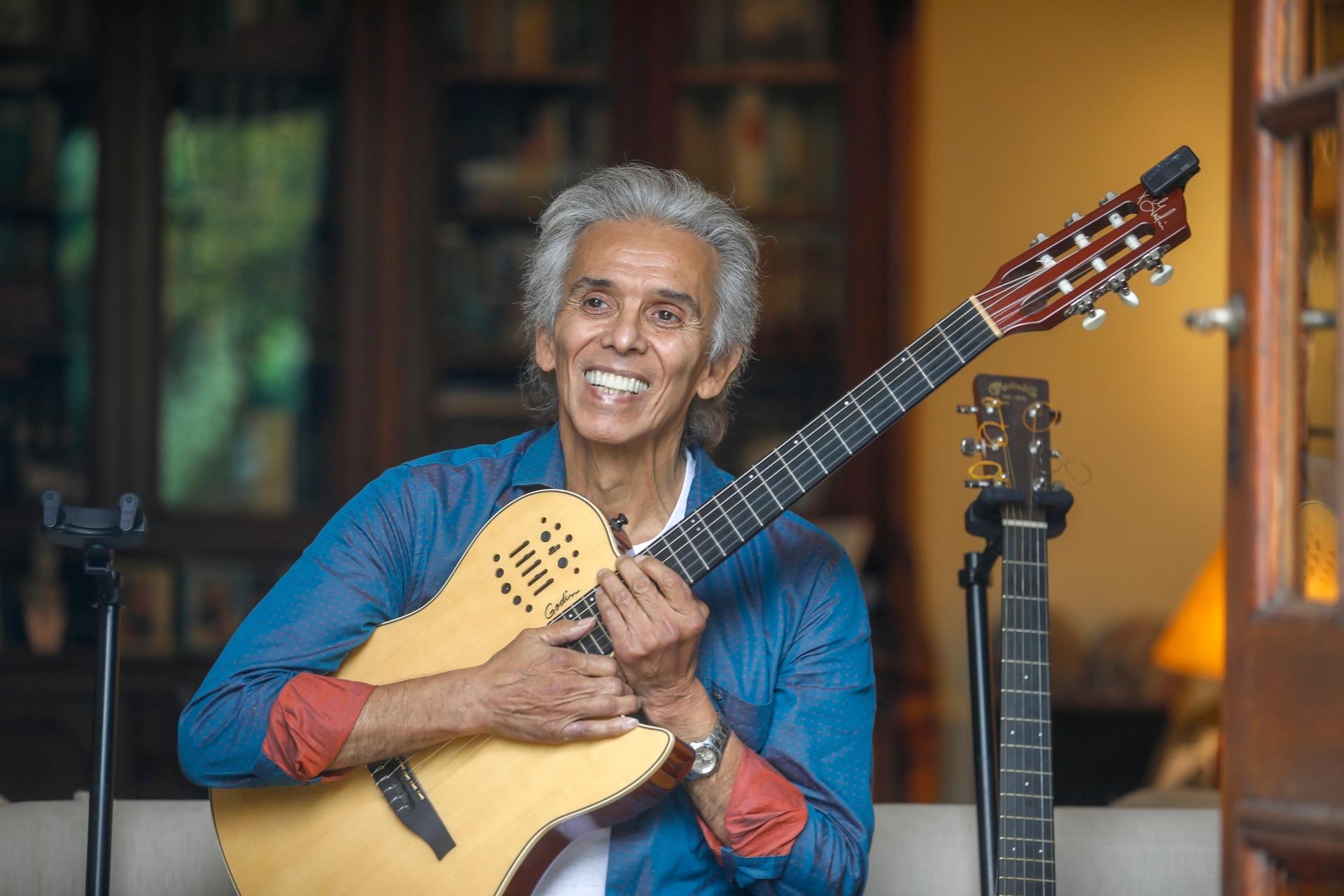 """Grabó 800 canciones en 5 idiomas distintos, pero a la hora de elegir una sola no duda: """"La milonga del trovador"""" porque, dice, """"Ferrer y Piazzolla la compusieron para mí"""""""