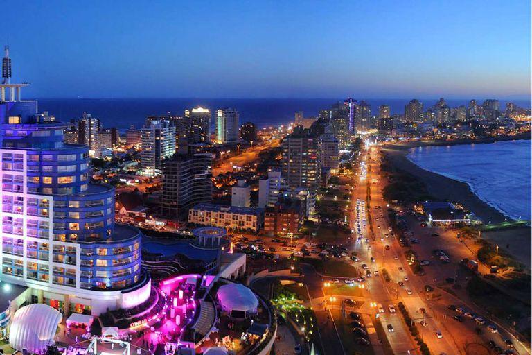Ciudad a pleno. La vista de Punta del Este en una de sus mejores temporadas