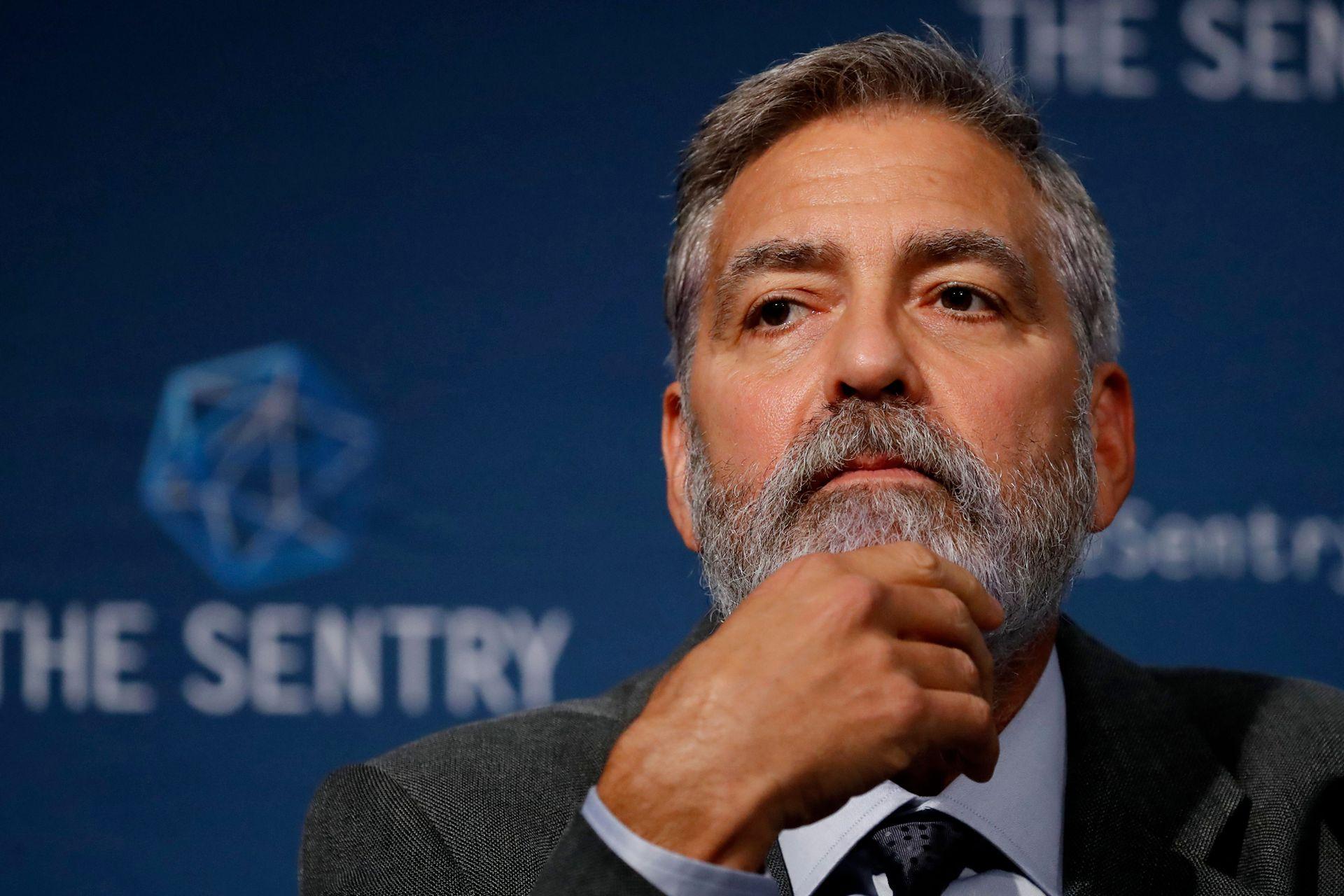 En Londres, George Clooney participó de una conferencia de prensa en la que se presentó un informe acerca de las atrocidades cometidas en el sur de Sudán, África