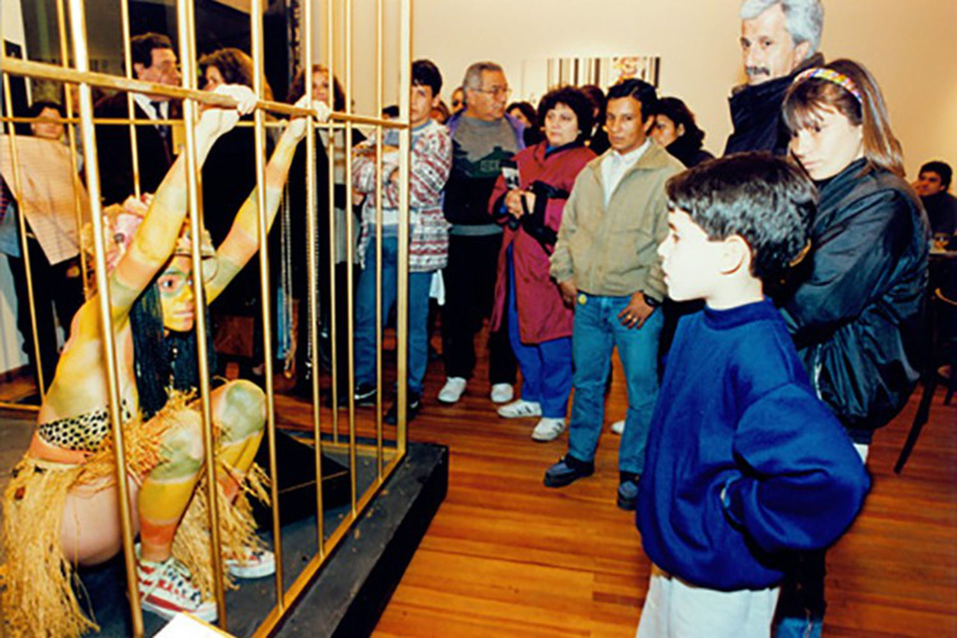 """En la Fundación Banco Patricios, en 1994, adoptó el título """"Dos amerindios no descubiertos en Buenos Aires"""""""