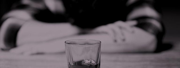 Alcoholismo. Señales de alerta y los peligros para la salud