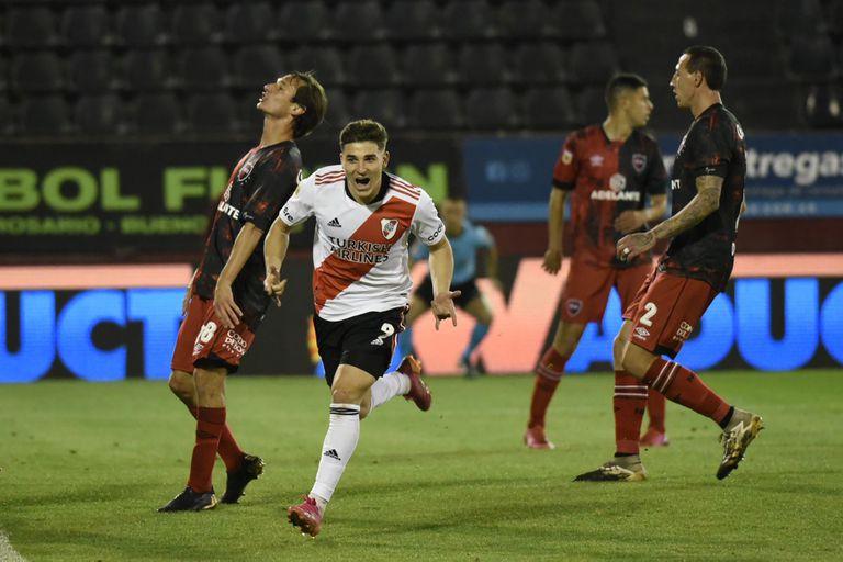 River goleó 4 a 1 a Newell's en Rosario y está cada vez más cerca de la cima