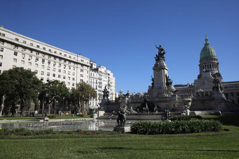 La Plaza del Congreso es una de las más vandalizadas de la ciudad